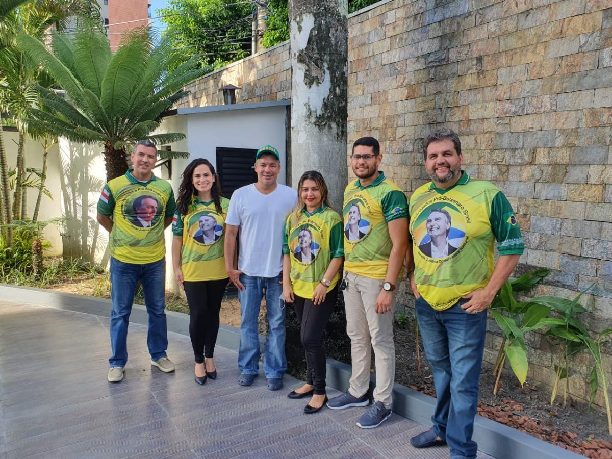 Advogados pró Bolsonaro se reúnem com deputado Josué Neto