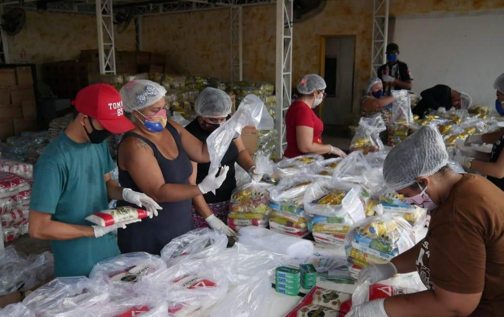 Sejusc inicia entrega de 10 mil cestas básicas doadas pela Transire