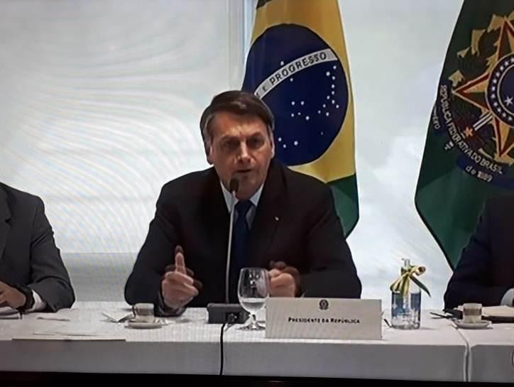 Vídeo de reunião de Bolsonaro e ministros repercute entre senadores