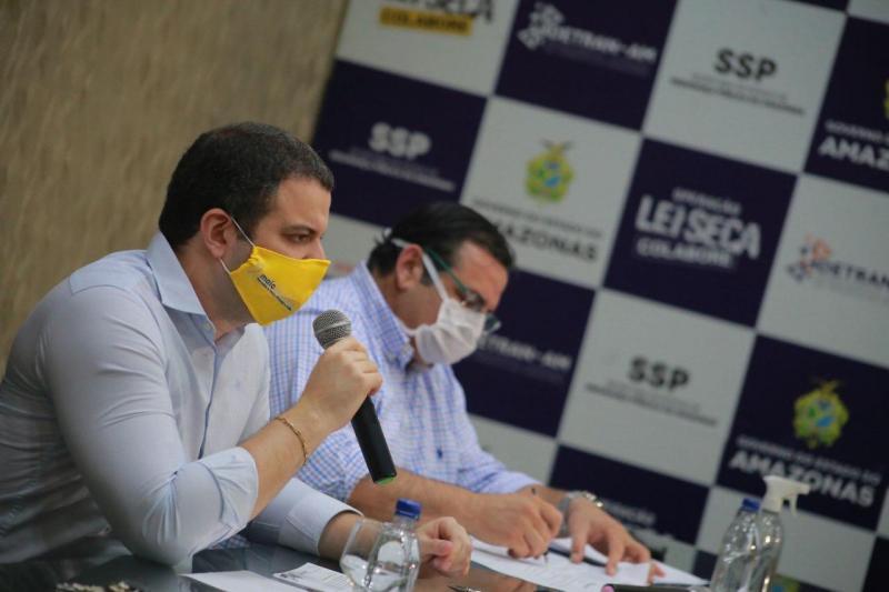 Detran-AM realiza mais de 100 renovações de CNH no retorno do agendamento