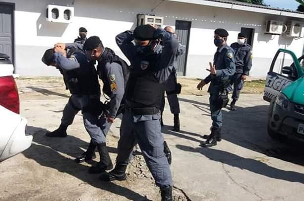 Militares do 11° BPM treinam ações de revista e abordagem policial