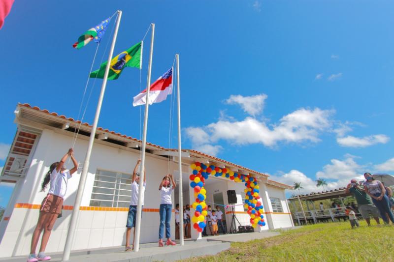 Prefeitura inaugura novas escolas nas comunidades rurais Irmãos Coragem e São João da Nova Esperança