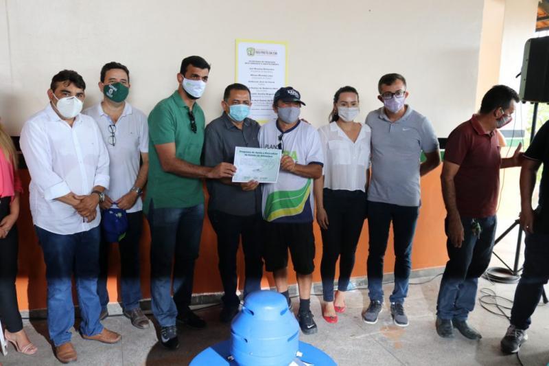 Entrega de 37 aeradores para piscicultores em Rio Preto da Eva promete impulsionar produção local