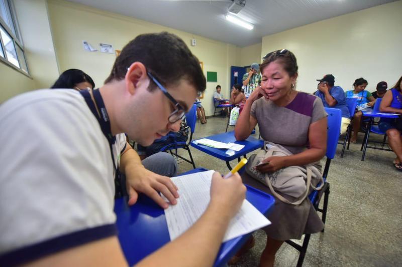 Governo do Amazonas paga quinta parcela do auxílio-moradia a famílias do Monte Horebe