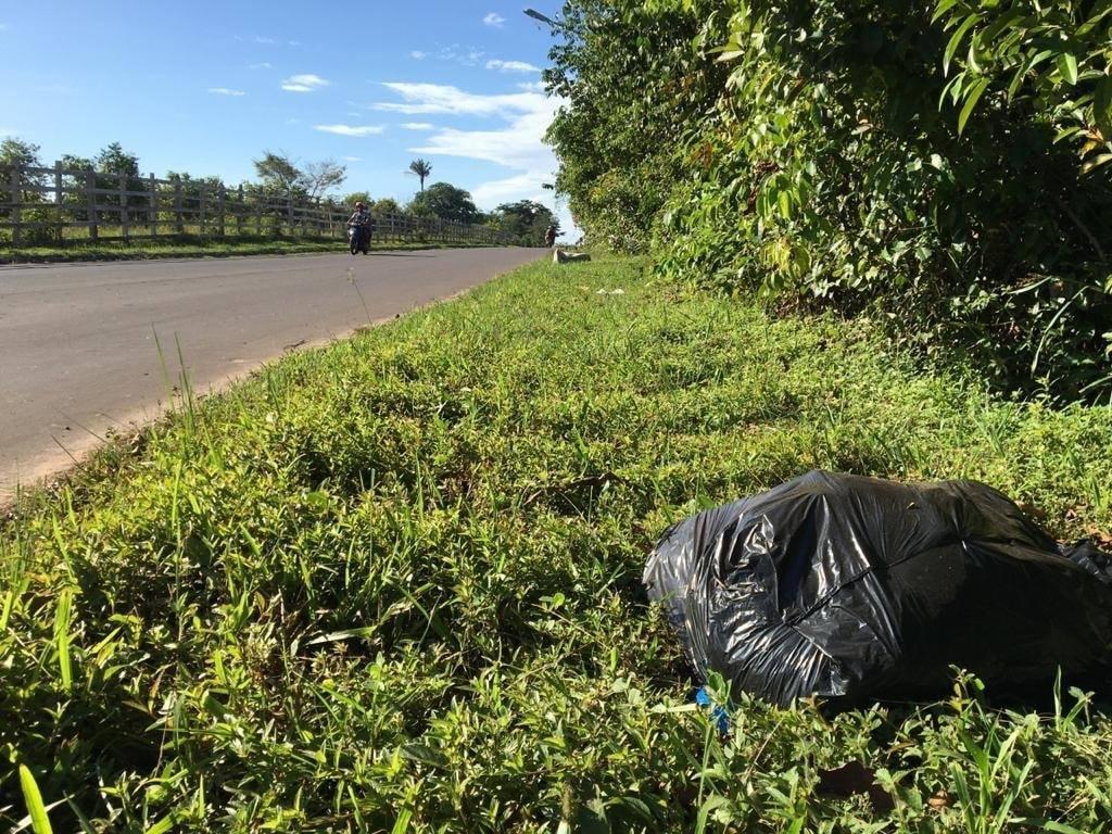 Em Parintins, Semosp desativa lixeira viciada na rodovia Eduardo Braga