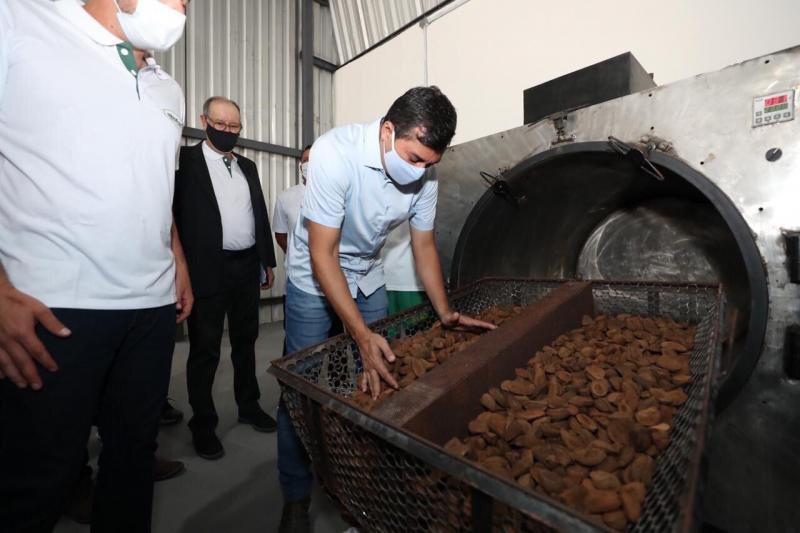 Wilson Lima inaugura agroindústria de castanha-do-Brasil no município de Tapauá