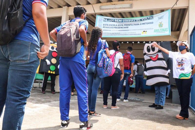 "Detran-AM realiza campanha ""Volta às aulas"""