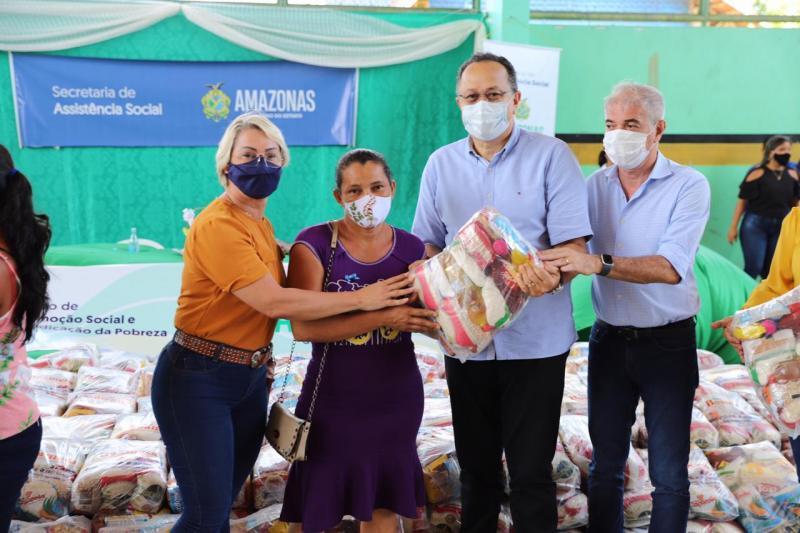 Governo do Amazonas beneficia 580 famílias com ação social em Boa Vista do Ramos
