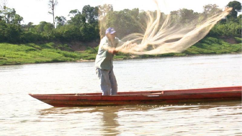 Pescadores artesanais de Canutama recebem apoio do Governo do Estado para alavancar produção