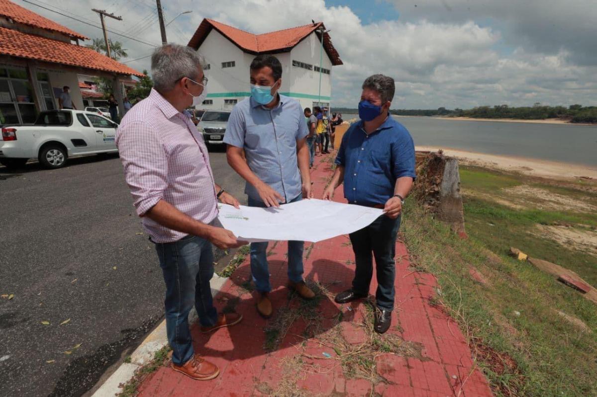Wilson Lima anuncia obra de recuperação na orla de Nhamundá