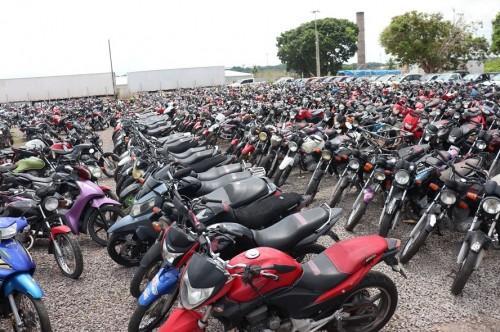 Detran-AM abre visitação de veículos do último leilão do ano