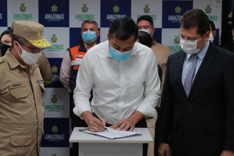 Wilson Lima formaliza cooperação que triplica atendimentos da Policlínica Gilberto Mestrinho