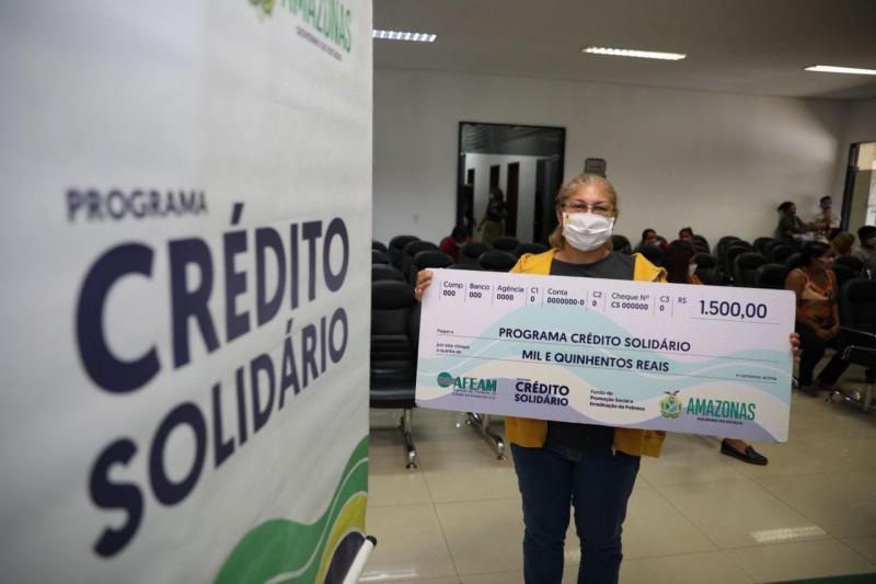 Governo do Estado paga mais de R$ 124 mil a microempreendedores por meio do Crédito Solidário