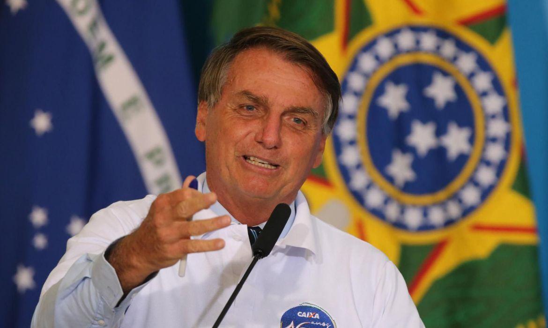 Fechamento de comércios não é política correta contra a Covid-19, diz Bolsonaro