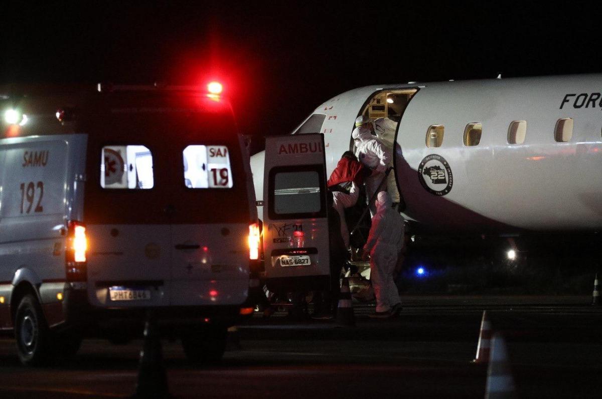 Quatorze pacientes são transferidos de Manaus para Maceió