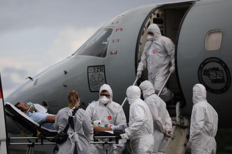 Governo do Amazonas transfere 18 pacientes com Covid-19 para Minas Gerais