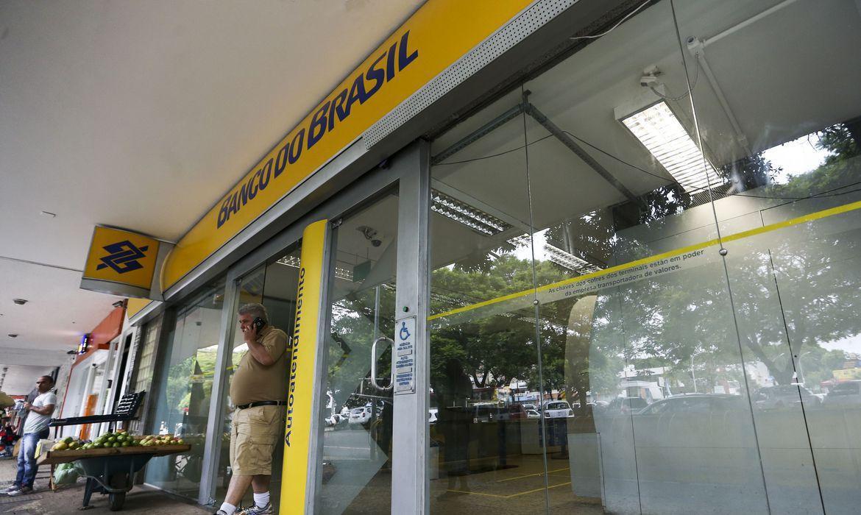 Bancos retomam atendimento nesta quarta-feira