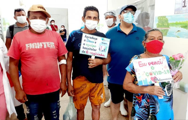 Cinco pacientes vencem o Coronavírus e deixam hospital sob aplausos, em Barreirinha