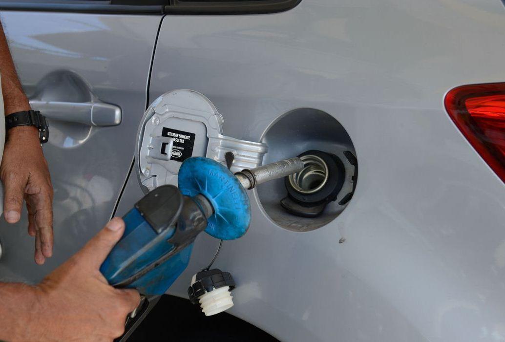 Preços de gasolina, diesel e gás aumentam hoje nas refinarias