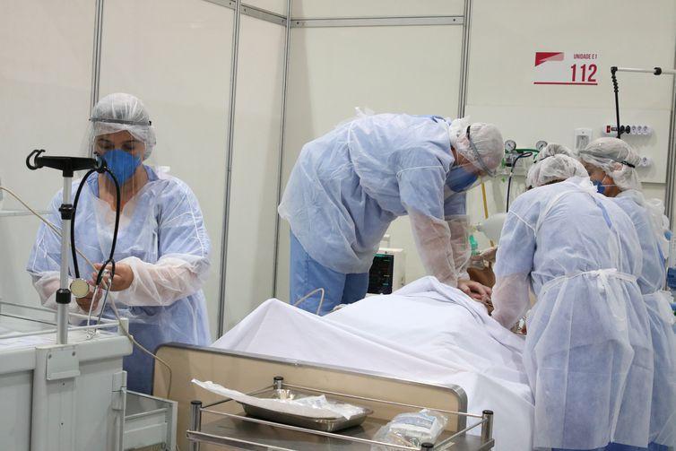 Saúde prorroga por mais um ano a atuação de 2.900 profissionais