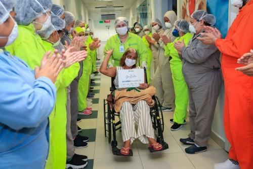 Mais cinco pacientes que foram transferidos para Manaus recebem alta