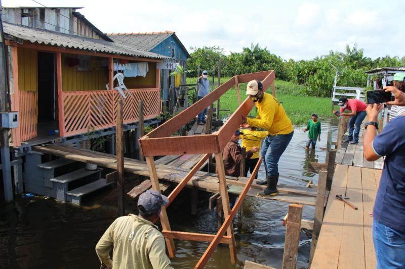 Prefeitura de Parintins inicia construção de pontes em áreas baixas da cidade