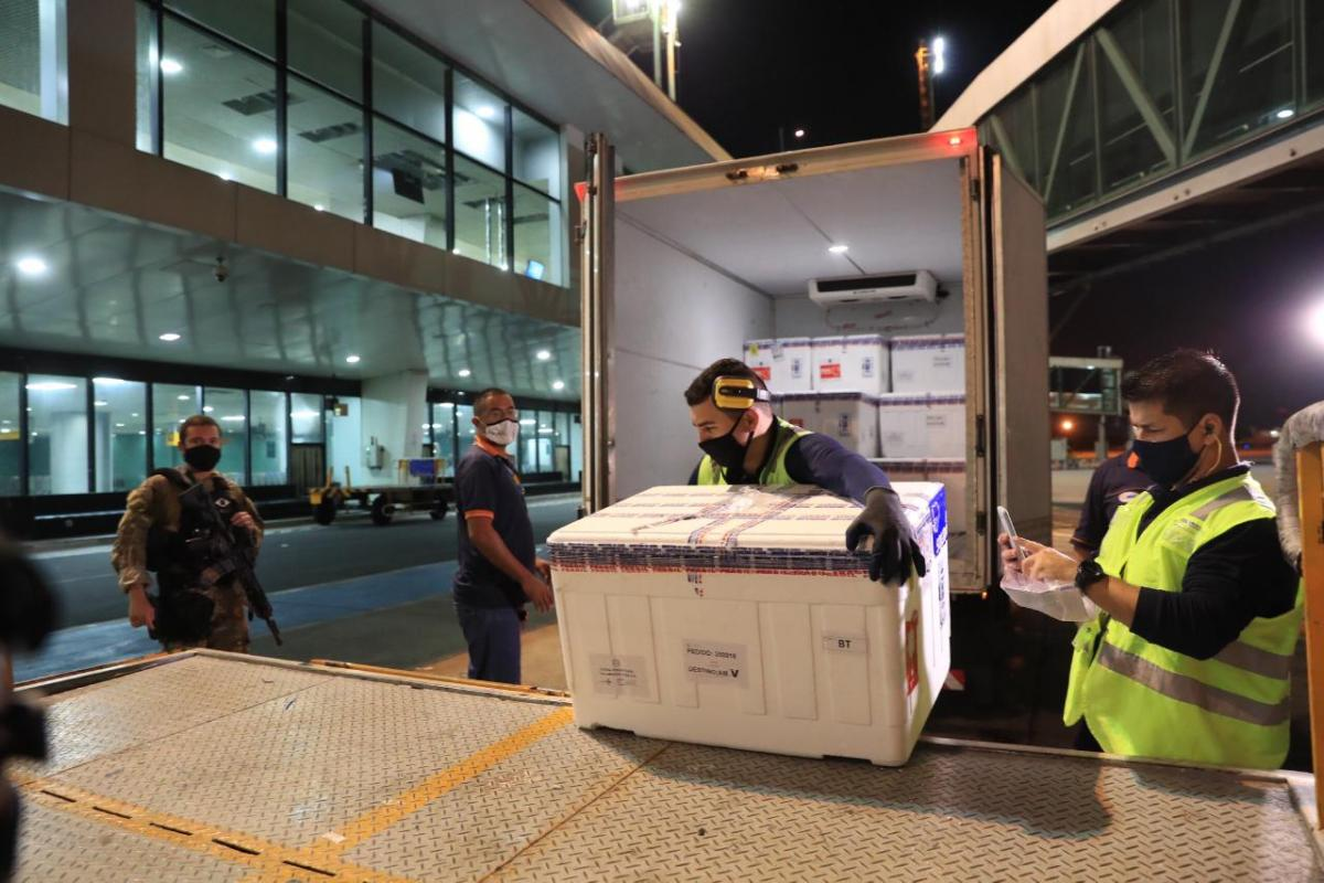 Amazonas recebe mais 7 mil doses de vacina contra a Covid-19