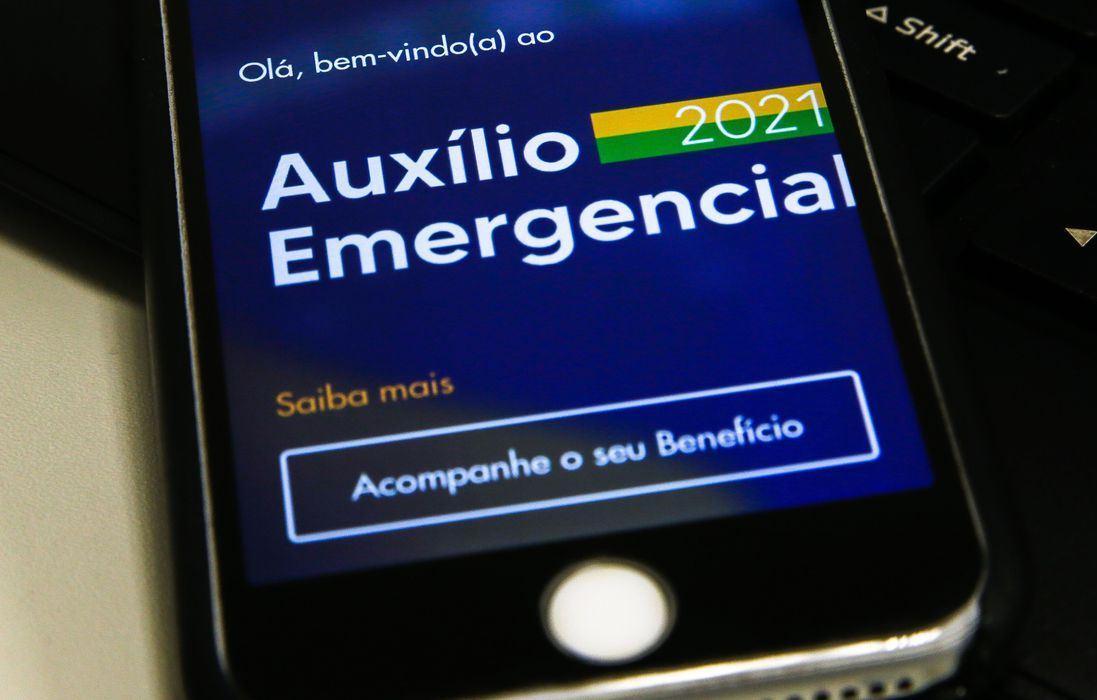 Devolução do auxílio emergencial soma quase R$ 5 bilhões em 2021