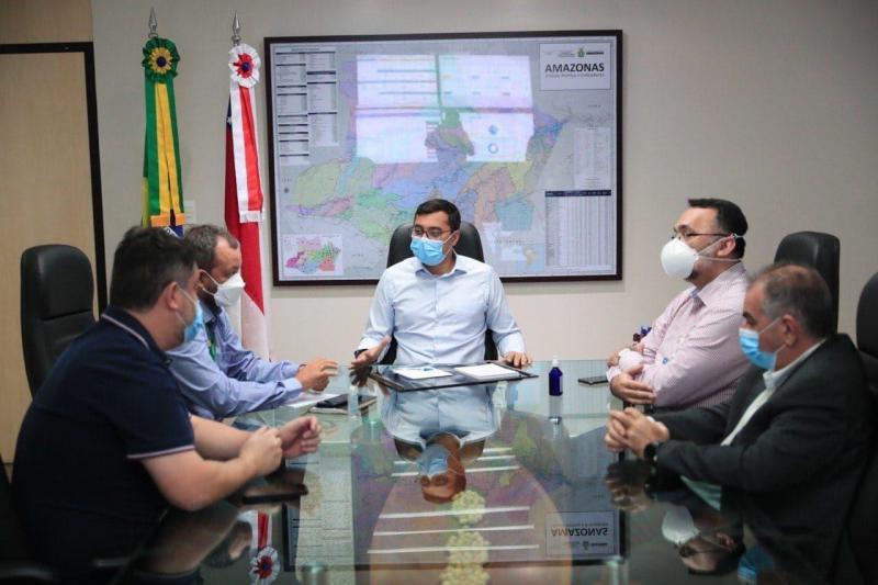 Wilson Lima anuncia mutirão para vacinar pessoas a partir de 30 anos contra a Covid-19 em Manacapuru e Novo Airão