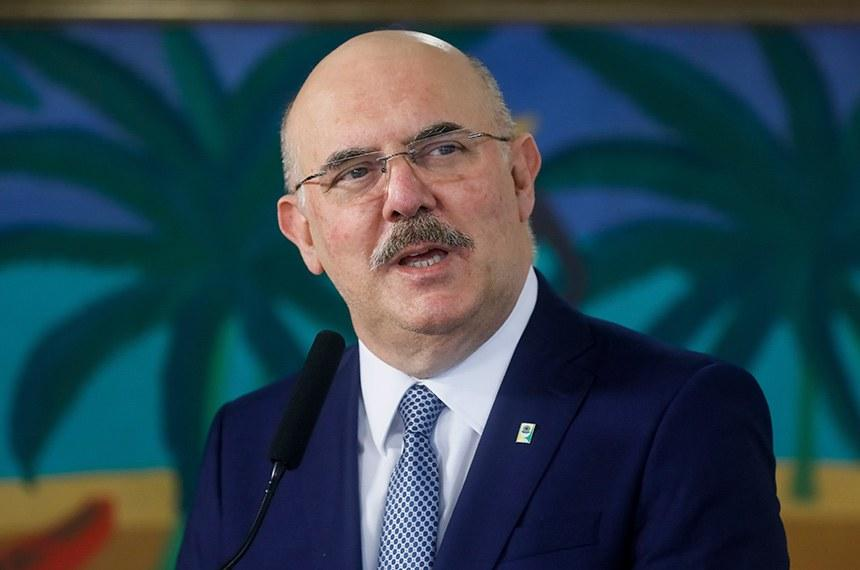 Ministro da Educação, Milton Ribeiro, defende retorno das aulas presenciais