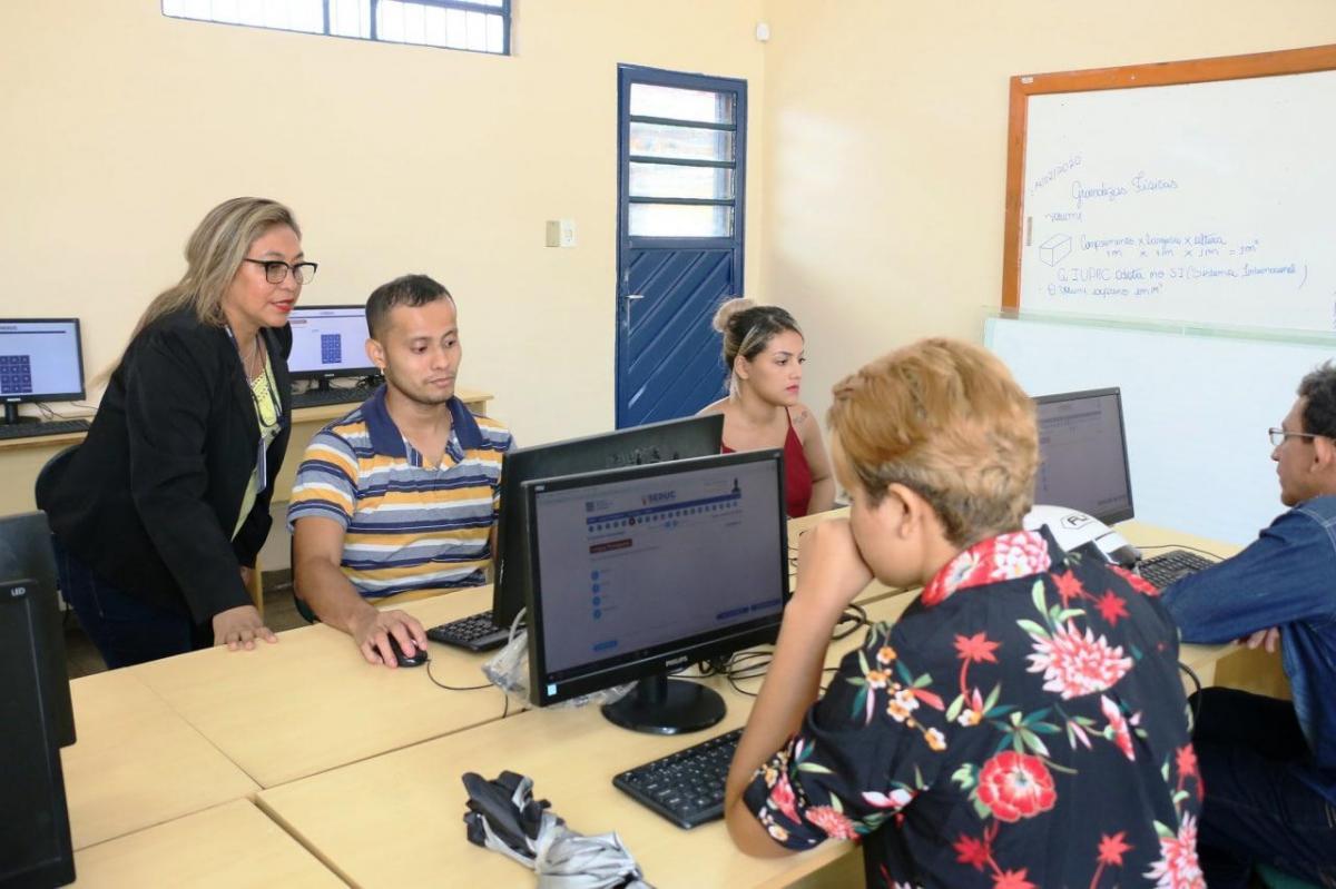 Seduc-AM abre período de matrículas para novos alunos da EJA