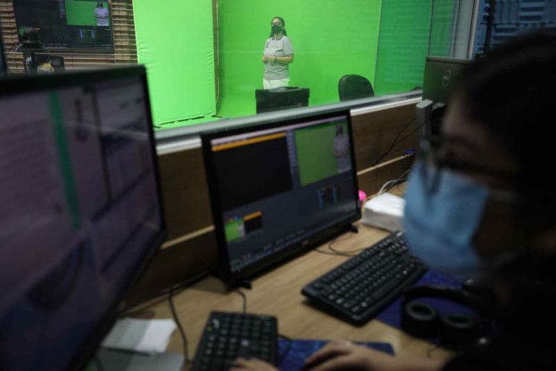 Governo do Estado inicia transmissão de aulas de reforço gratuitas pela televisão e internet para estudantes da rede pública