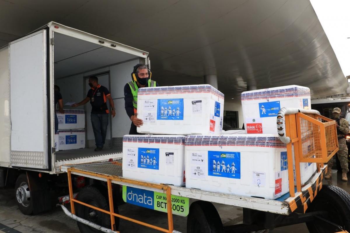 Amazonas recebe mais 124.750 doses de vacinas da AstraZeneca