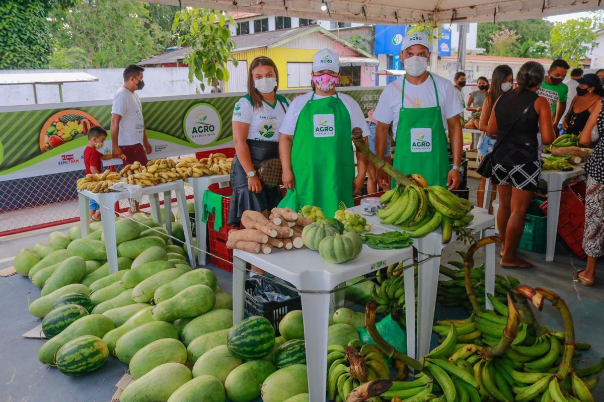 Prefeitura de Barreirinha realiza Feira Livre do Produtor Rural