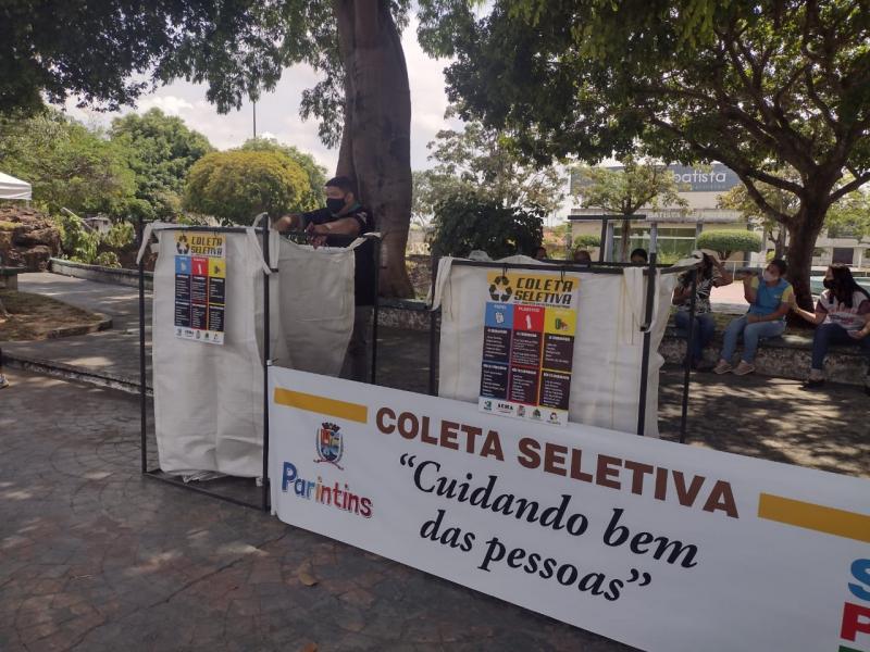 Bliz da Coleta Seletiva é realizada na Praça da Liberdade, todas as sextas-feiras
