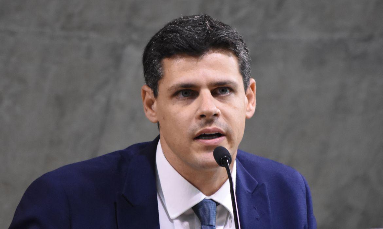IOF não financiará Auxílio Brasil em 2022, diz secretário