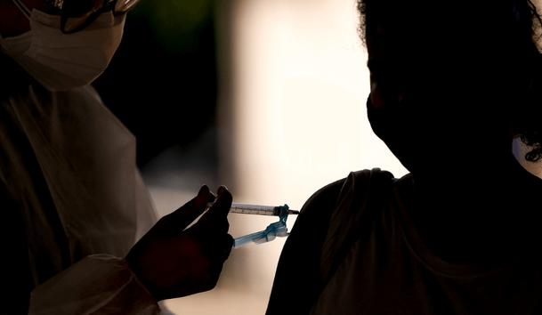 Brasil já aplicou mais de 250 mil doses de reforço e adicional contra Covid-19