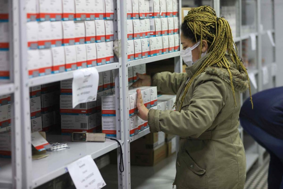 Amazonas recebe mais 108,8 mil doses de vacina contra Covid-19
