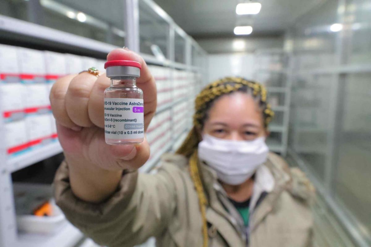 Lote com 15.570 doses de AstraZeneca é entregue ao Governo do Amazonas