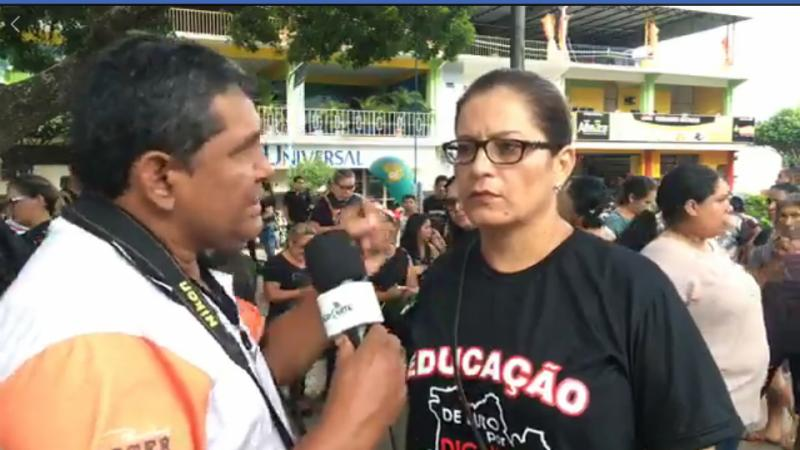 Manifestação dos professores da rede estadual em Parintins
