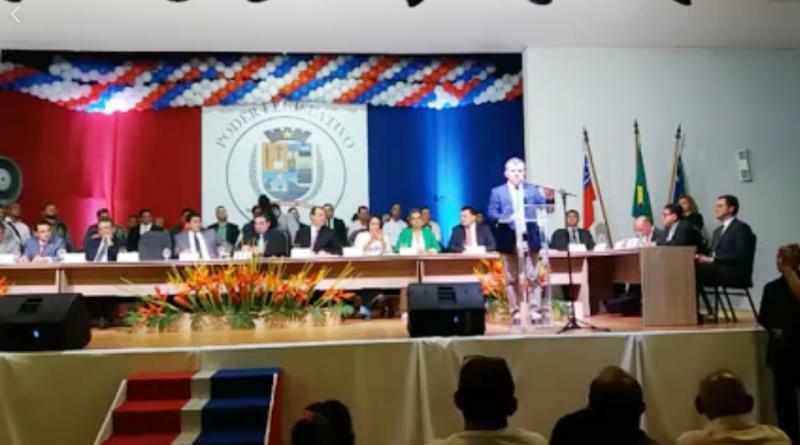 Entrega do título de cidadão parintinense ao senador Omar Aziz