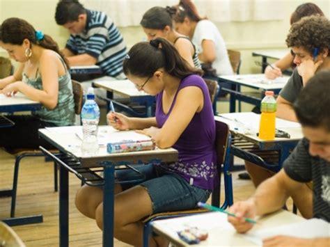 Mais de 2,5 milhões de candidatos já pediram isenção da taxa de inscrição do Enem