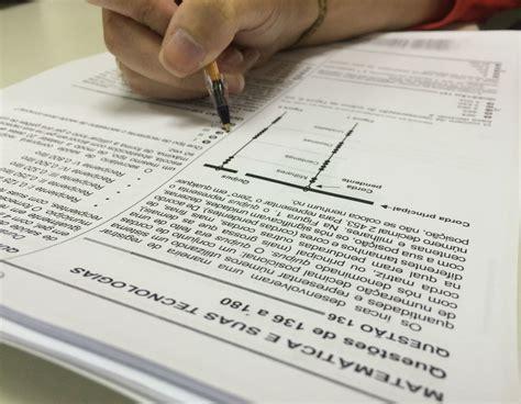 Candidatos ao Enem 2018 têm até domingo para pedir isenção da taxa de inscrição