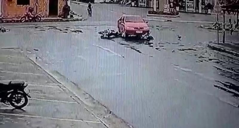 Acidente entre uma motocicleta e um carro em Parintins