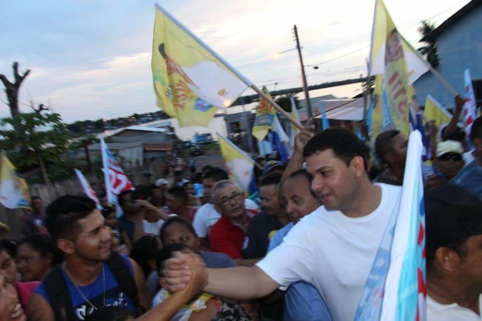 Saullo Vianna faz campanha em Nhamundá e recebe adesões