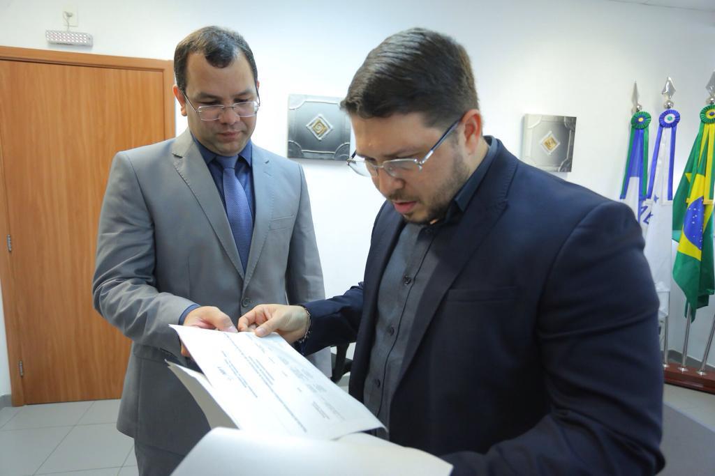 Carlos Almeida reúne com procurador do Ministério Público do Trabalho