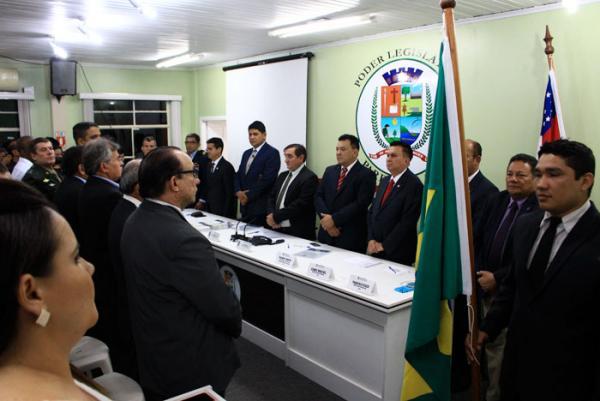 Câmara Municipal de Parintins abre trabalhos para 2017