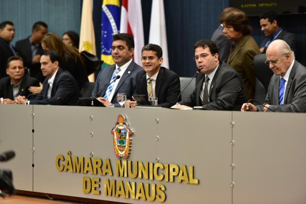 Governo do Amazonas busca apoio dos poderes em prol da Zona Franca de Manaus