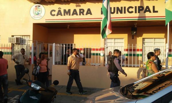 O que diz a decisão judicial de suspensão do cargo de Everaldo Batista e Rai Cardoso