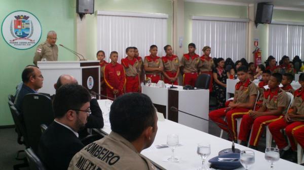 Programa Bombeiro Mirim recebe homenagem na Câmara Municipal de Parintins
